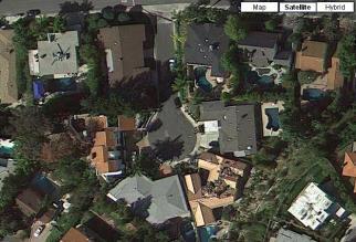 Eddie Nash's House - Bottom Left - Middle of frame w gray roof