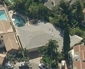 Nash house. Is that Greg I see taking a morning float with his cup of Mai Tai?