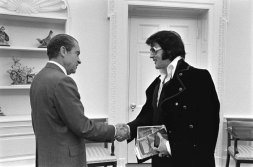 Elvis meets Nixon in White House. The King gave Dick some antique pistols and Dick gave him a junior G-man badge.