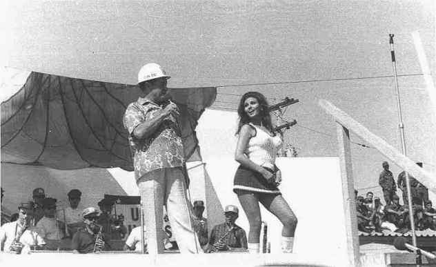 Bob and Raquel Welch.