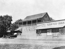 Hollywood's first grocery store. 1903.